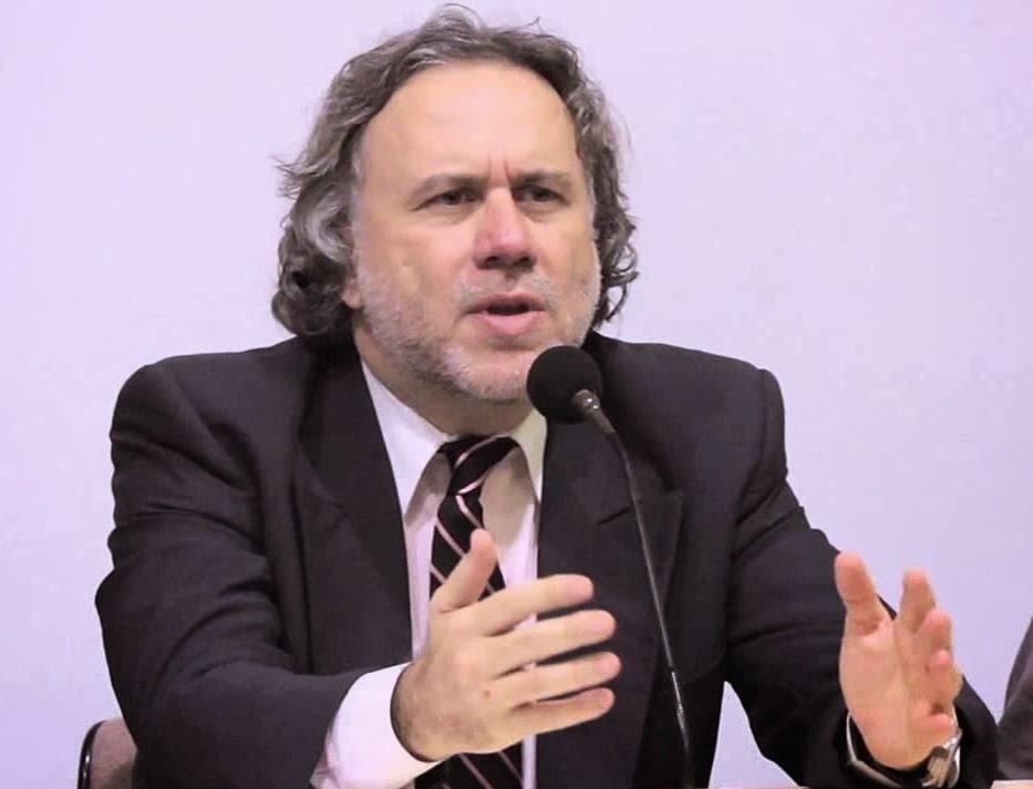Κατρούγκαλος: Ανάκληση απολύσεων από διαθεσιμότητα