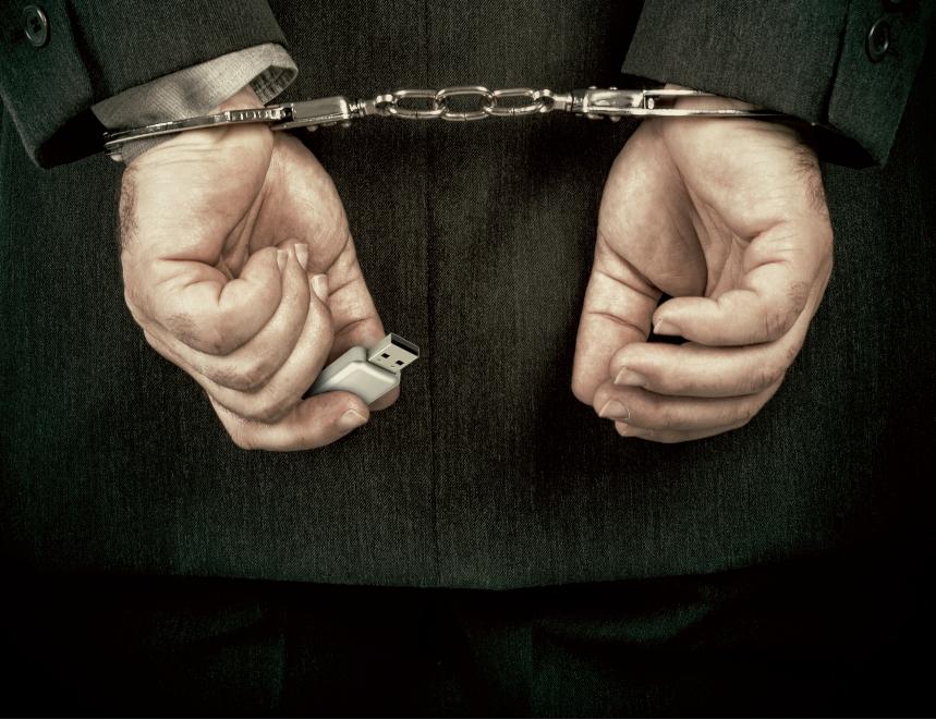 Ποιοι φοβούνται τη φυλακή αν κυβερνήσει ο ΣΥΡΙΖΑ;