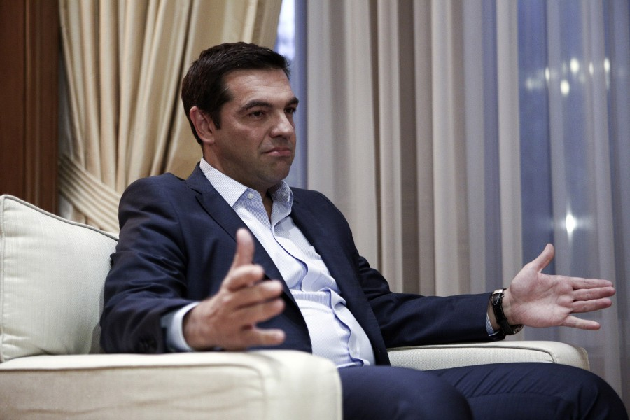 Hand in Ceremony at Maximos Mansion with Alexis Tsipras giving over the office to the first female prime minister, Vasiliki Thanou, on Aug. 27, 2015 / Τελετή παράδοσης παραλαβής στο Μέγαρο Μαξίμου όπου ο Αλέξης Τσίπρας παρέδωσε στην Βασιλική Θάνου, στις 27 Αυγούστου, 2015