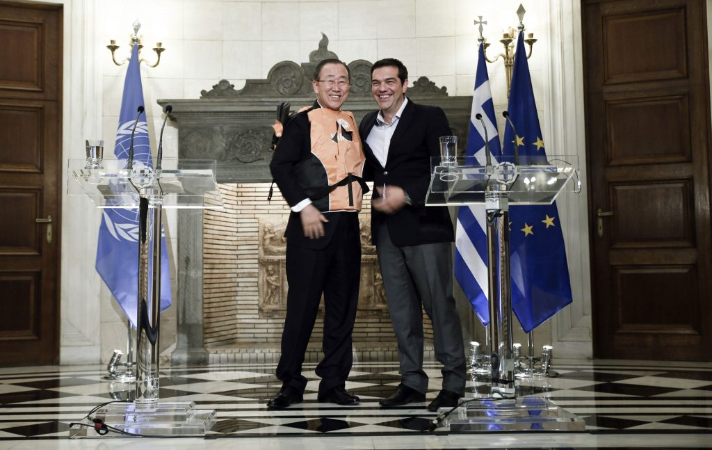 Ban-Ki-Moon-Tsipras-Life-vest