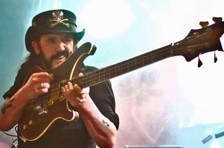 Lemmy-guitar1