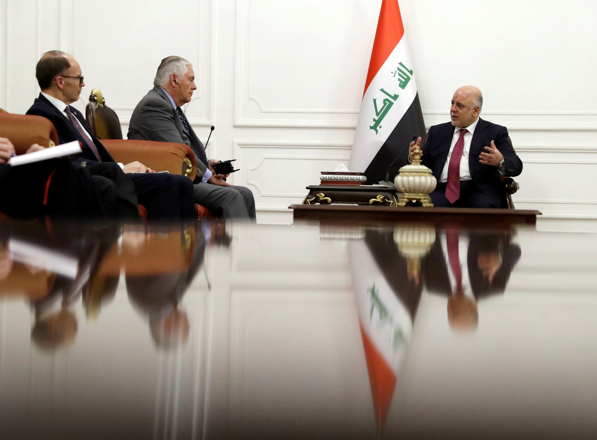 Tillerson speaks with Iraqi Prime Minister Haider al-Abadi in Baghdad