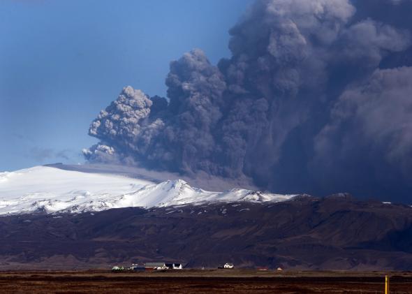 98539894-view-of-the-eyjafjallajokull-volcano-billowing-smoke-and.jpg.CROP.promo-mediumlarge