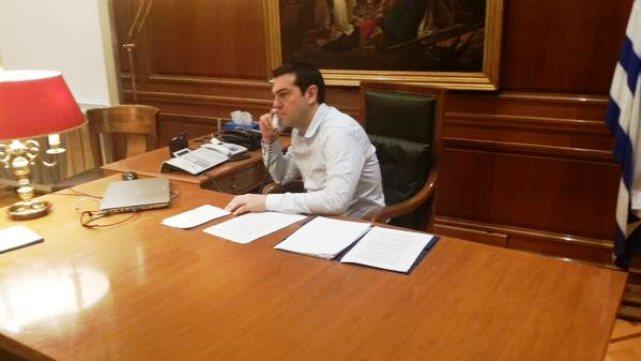 tsipras-tilefono-patratora