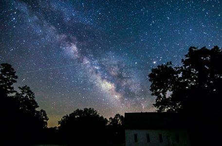 meteor-Eta-Aquarid-5-6-2016-darla-Young-Carthage-AR1-e1466811727327