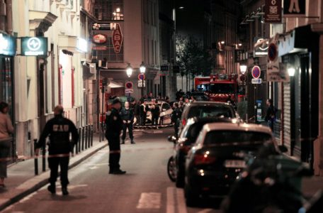 paris-knife-attack