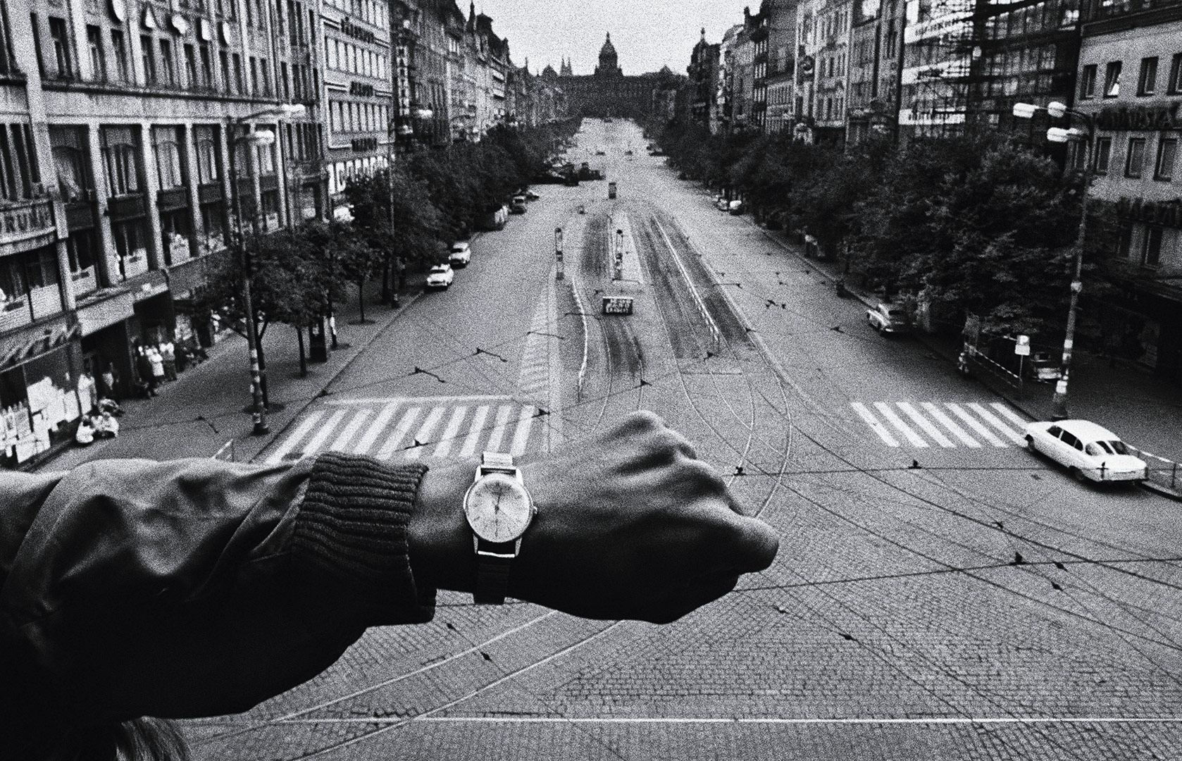time-100-influential-photos-josef-koudelka-invasion-prague-60